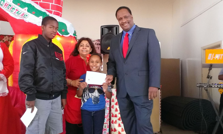 Mayor James T. Butts Awards Scholarships to Students